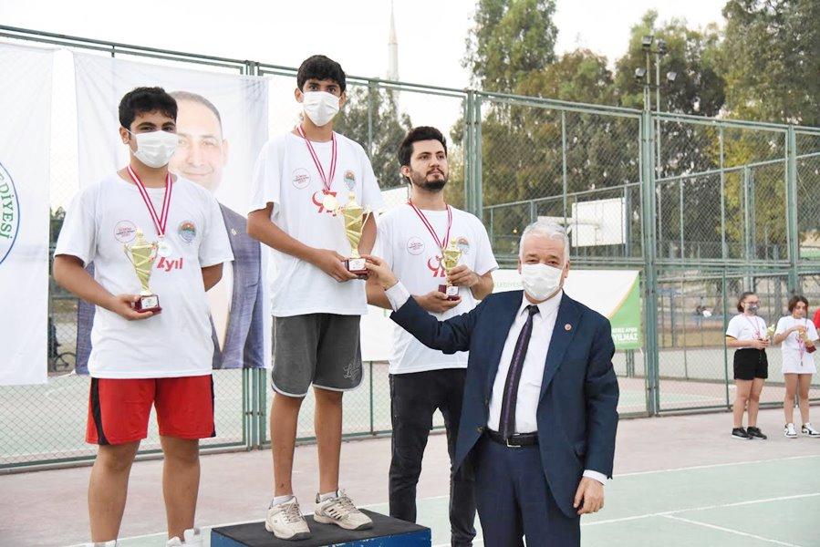 Bocce ve tenis turnuvasında coşkulu final