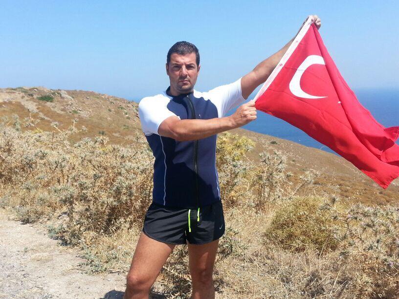 Mersinli rekortmen sporcu, Kıbrıs'a yüzüp geri gelecek!