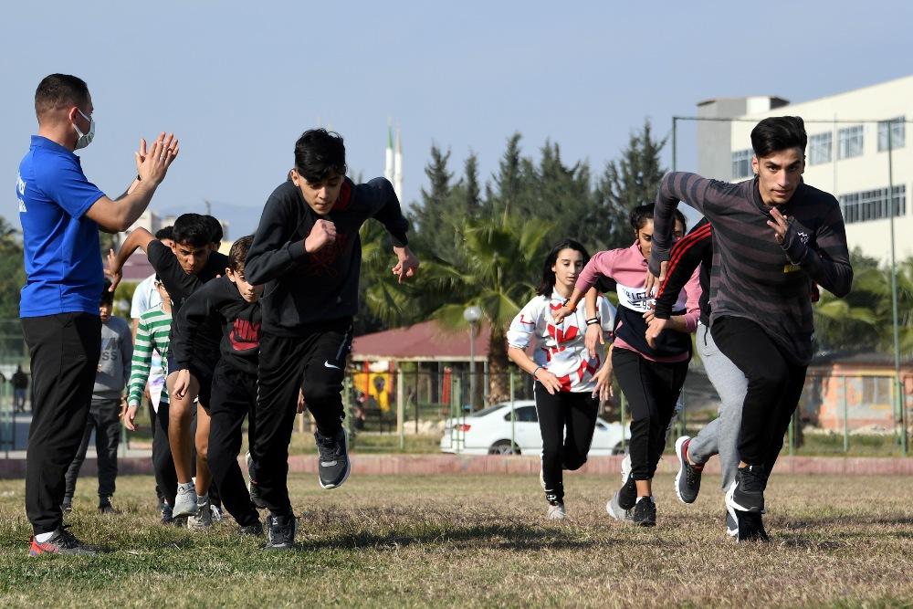 Büyükşehir'in atletleri başarıya koşuyor
