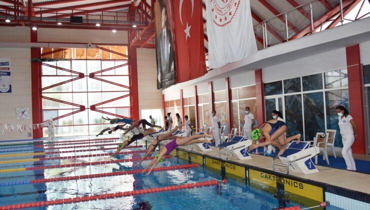 Yüzme yarışmaları sona erdi