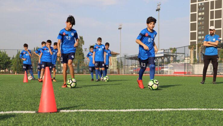 Yaz Futbol Okuluna büyük ilgi!