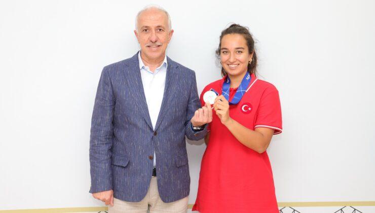 Başkan Gültak'tan Milli sporcuya desteğe 'Devam' sözü